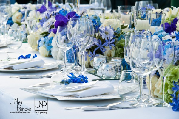 Dining table decorating for your wedding reception