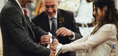 Choosing the best Civil Celebrant